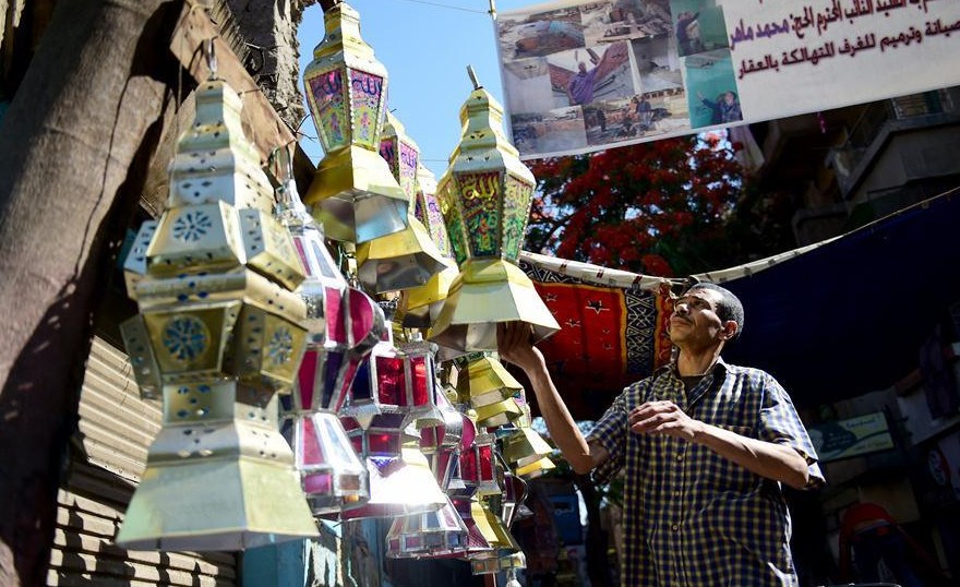 Traditional handmade lanterns appeal more to Egyptians in Ramadan