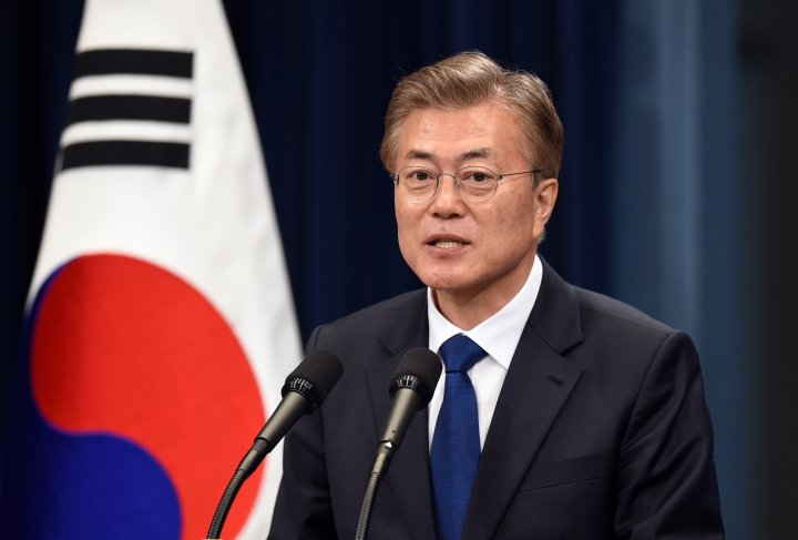 President Moon supports re-start of six-party talks on DPRK
