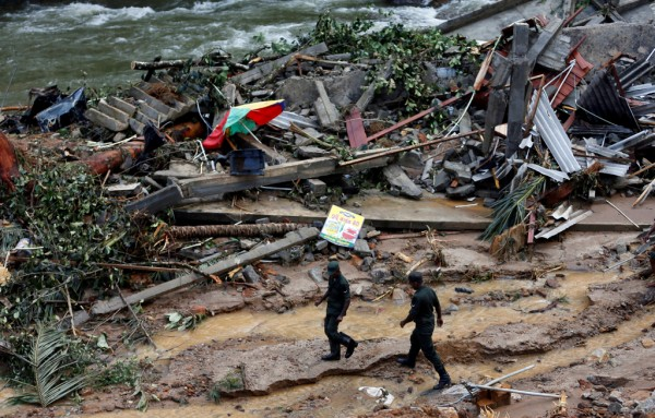 Death toll in flood hit Sri Lanka rises to 164, foreign aid pours in