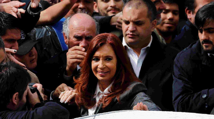Two Argentinian ex-leaders announce bid for presidency