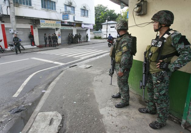 7 killed in clash between police, suspected rebels in Philippines