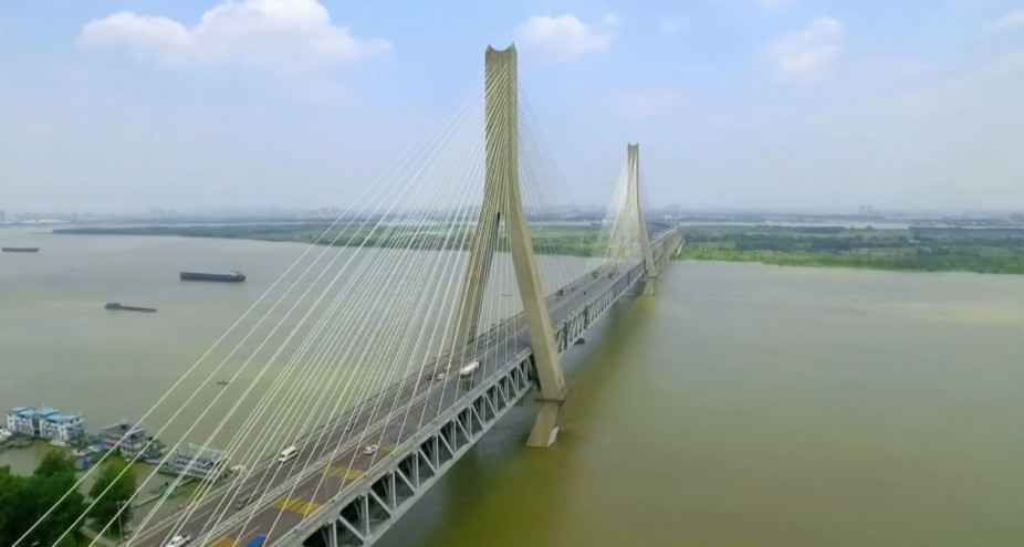 New technology helps maintain safety of major bridges in China