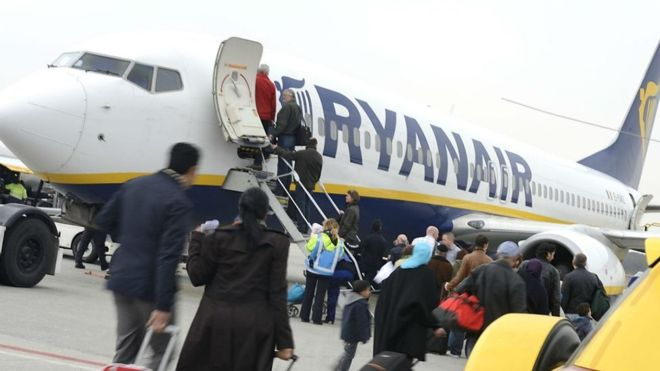 Ryanair warns of airline fares war this summer